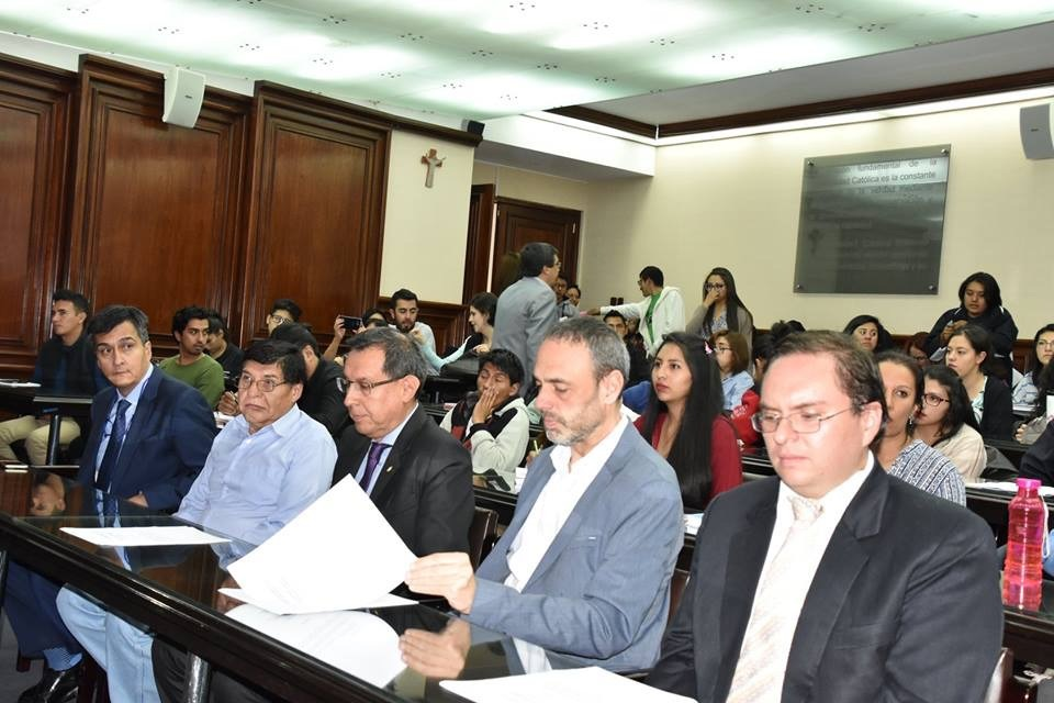 Reunión de la UPV con la Universidad de Bolivia